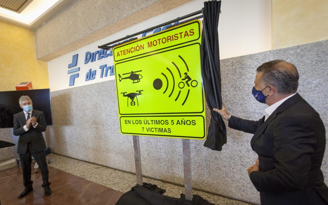 Interior presenta la señalización que identifica los 100 tramos de vía secundaria con mayor riesgo para motoristas