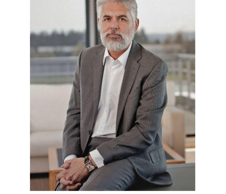 Entrevista al Director General de Iceacsa, Fernando Illanes, en La Opinión de A Coruña