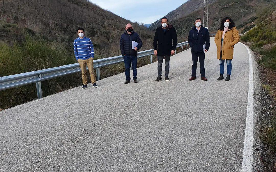 La Diputación de León repone las barreras de seguridad en cinco carreteras del Bierzo