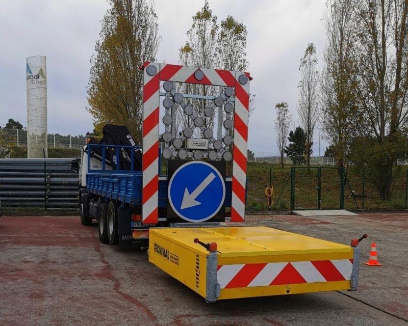 Tecnivial promueve la seguridad vial con sus Atenuadores de impacto móviles