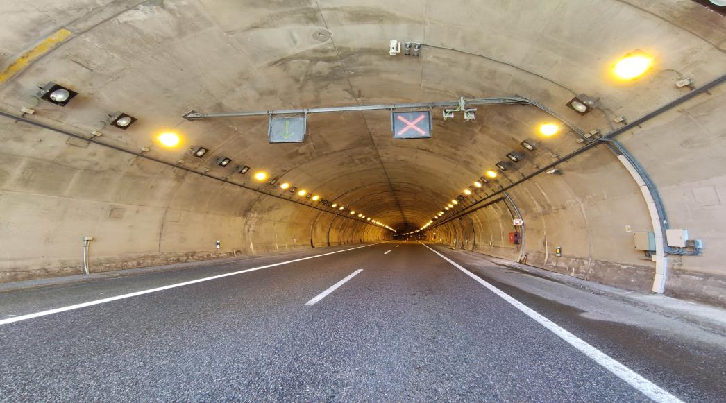 Cereixal, en Lugo, primer túnel inteligente de España al estar conectado con los vehículos